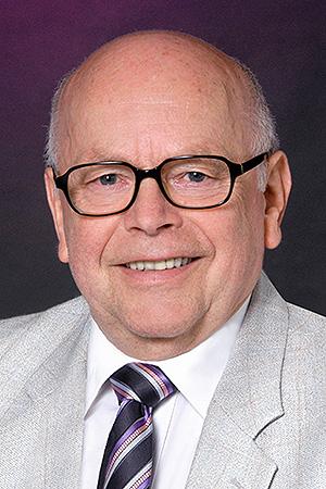 Portrait Immobilien-Spezialist Stefan Bardenbacher von Hausverkauf 1 Nürnberg